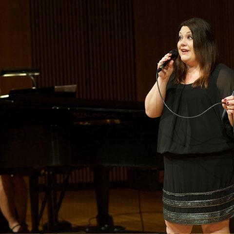 Brooke Elliott performing